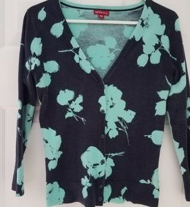 Floral 3/4 sleeve sweater cardigan